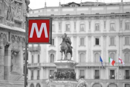 MM1 Statua di Garibaldi, Piazza del Duomo, Milano