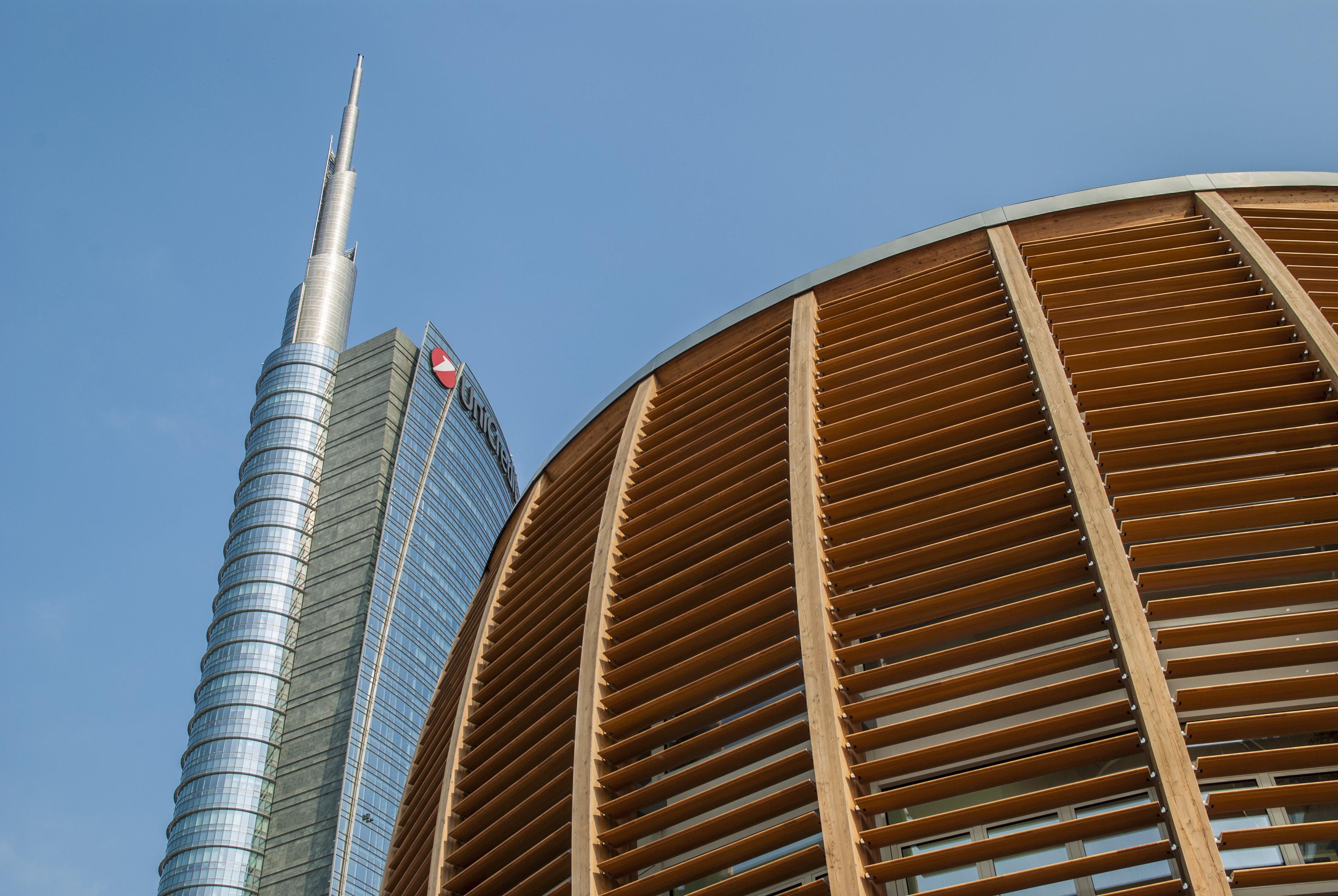 architettura moderna a milano foto gratuite in alta